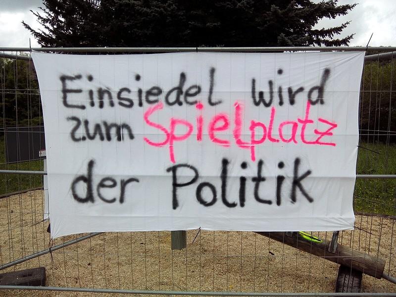 Banner an der Wippe in Einsiedel