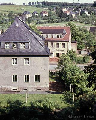 Apotheke Einsiedel von der Kirchgasse aus um 1960.