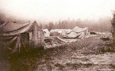 Von Unwetter 1754 zerdrückte Zelte im Pionierlager Einsiedel