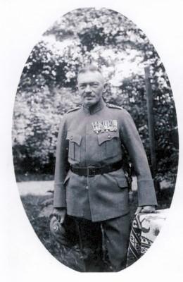 Adolf Braune in Uniform