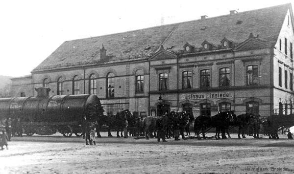 Dampfkessel für die Einsiedler Brauhaus AG vor dem Gasthof Einsiedel 1908