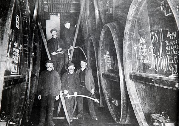 Fässer, Fässer, Fässer ... die Einsiedler Brauhaus AG um 1911