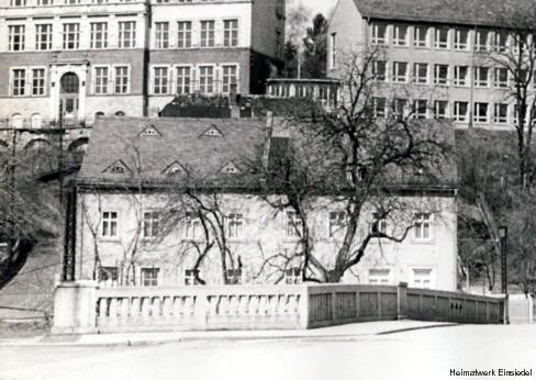 Einsiedler Hauptstraße 86 und 84