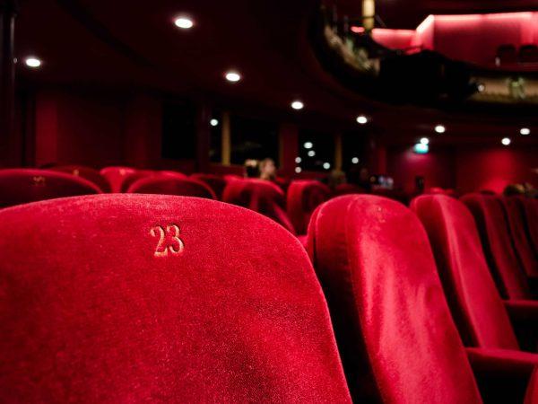 Kinosaal Nahaufnahme Sessel
