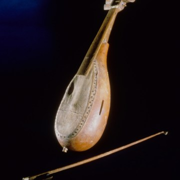 Gourd fiddle and bow, From Slavery to Freedom