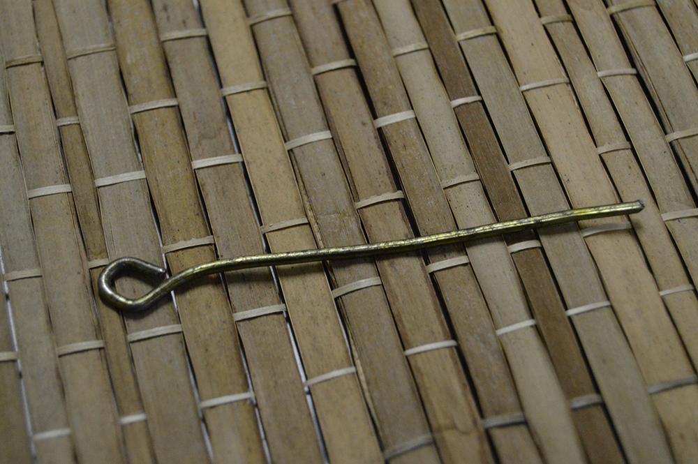 Hanger needle