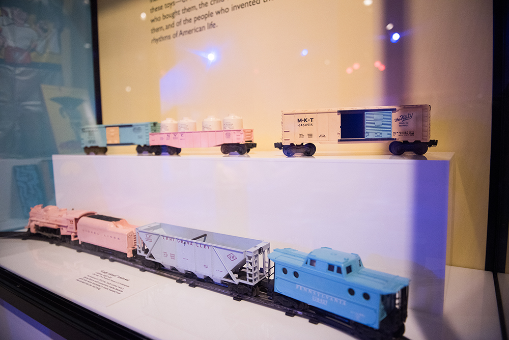 """""""Lady Lionel"""" Train Set 