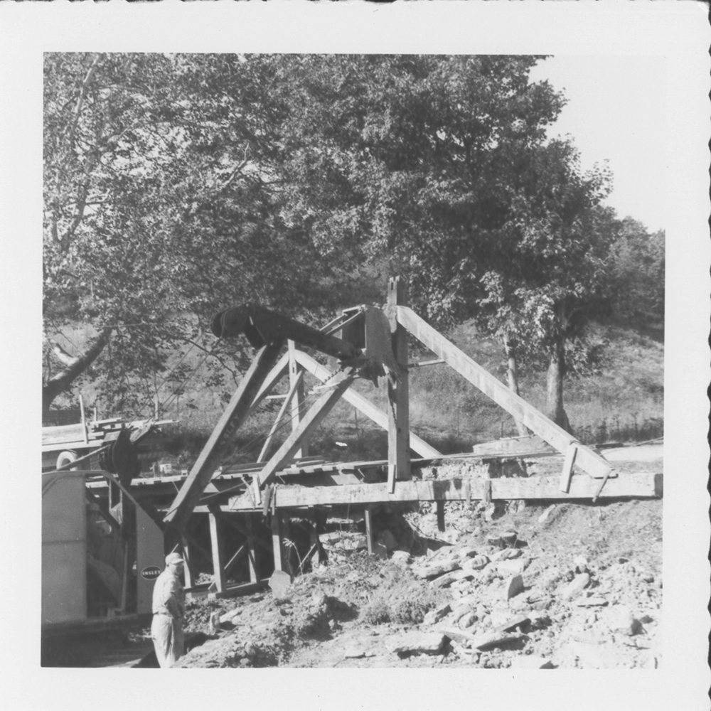 Dismantling the Pine Bank Covered Bridge in 1961.