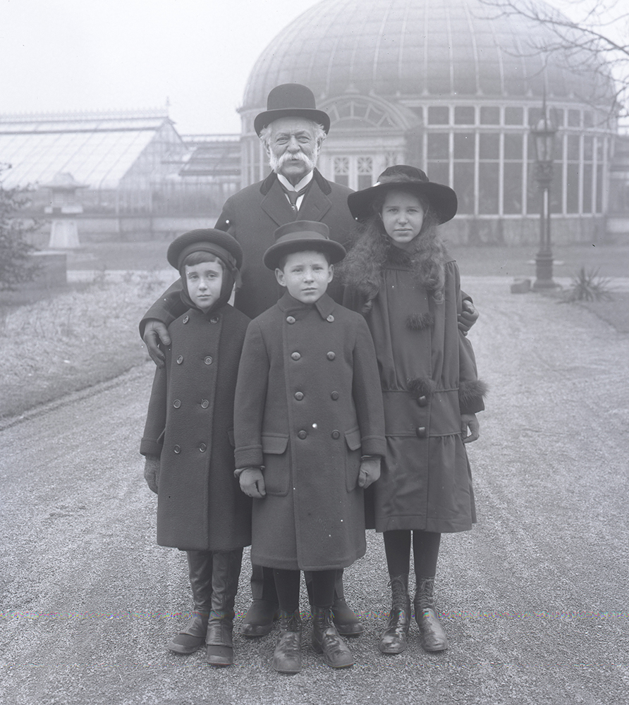 Henry J. Heinz with his grandchildren in front of the Conservatory at Greenlawn, 1916. H.J. Heinz Company Photographs, MSP 57, Detre Library & Archives at the History Center.
