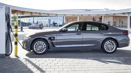 BMW 320e und 520e: Basis-Plug-in-Hybride für das Flottengeschäft