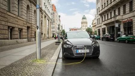Ubitricity und Ebee: Laternen-Ladepunkte für den deutschen Markt