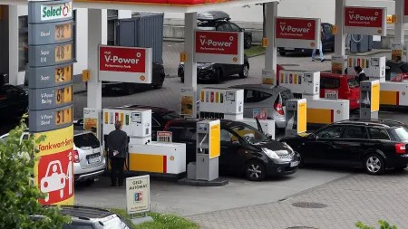 Leicht sinkende Preise für Kraftstoffe