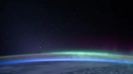 Starlink & Co.: Satelliten hellen Nachthimmel weltweit schon um 10 Prozent auf