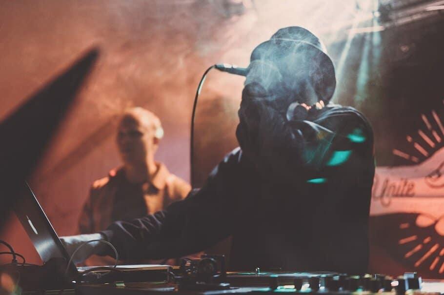 Heisttrack com - Instrumental Beats - 100% Royalty Free Beats