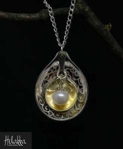 Helakka-hopeakaulakoru hopeapisara