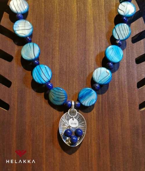 Helakka Helmiäiskaulakoru sininen
