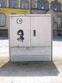 Halberstadt ist bekannt für seine pulsierende Streetart-Szene. Ich weiß nur nicht, ob das Kafka oder Sebastian Krämer sein soll.