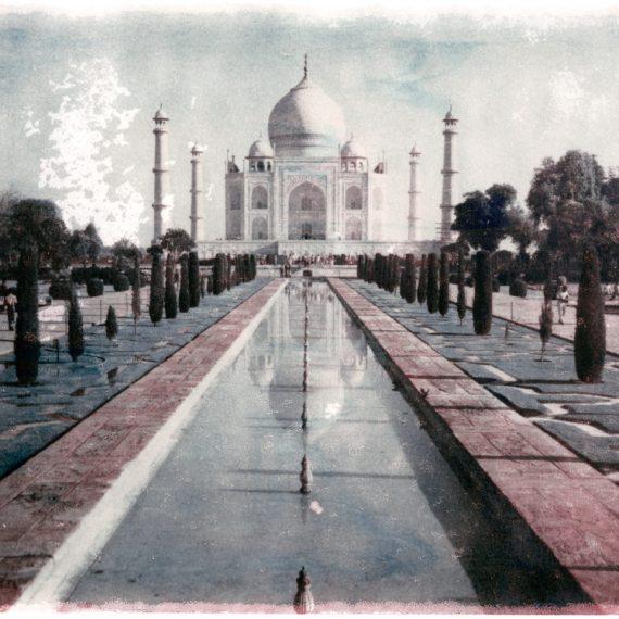 #5- ALSO IN INDIA © OSKAR LANDI. color. polaroid. Taj Mahal architecture