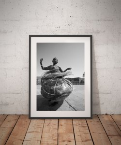 'INDIAN GIRL DANCING' © jason florio BW portrait of young girl twirling around