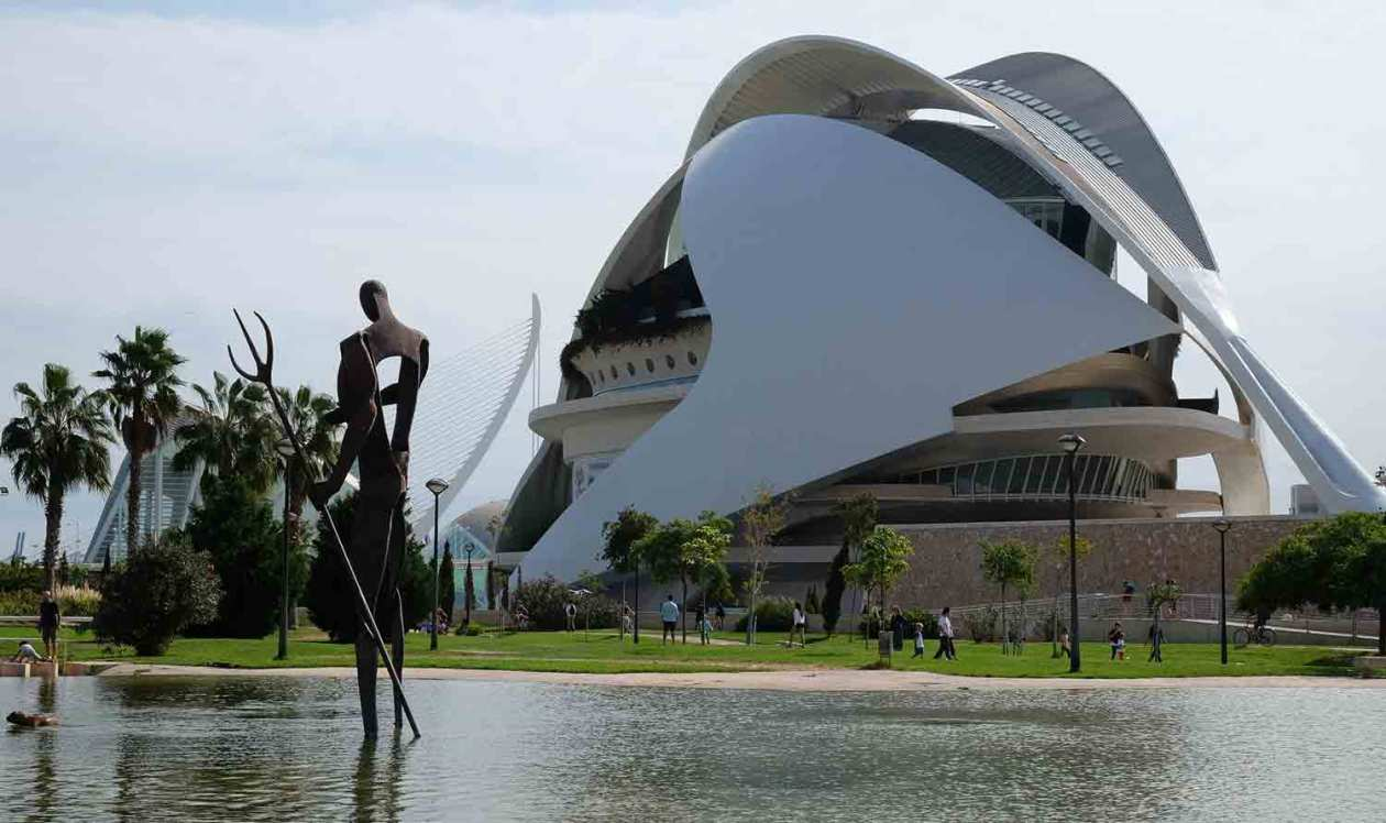 The City of Arts and Sciences sits at the eastern end of the Turia Gardens