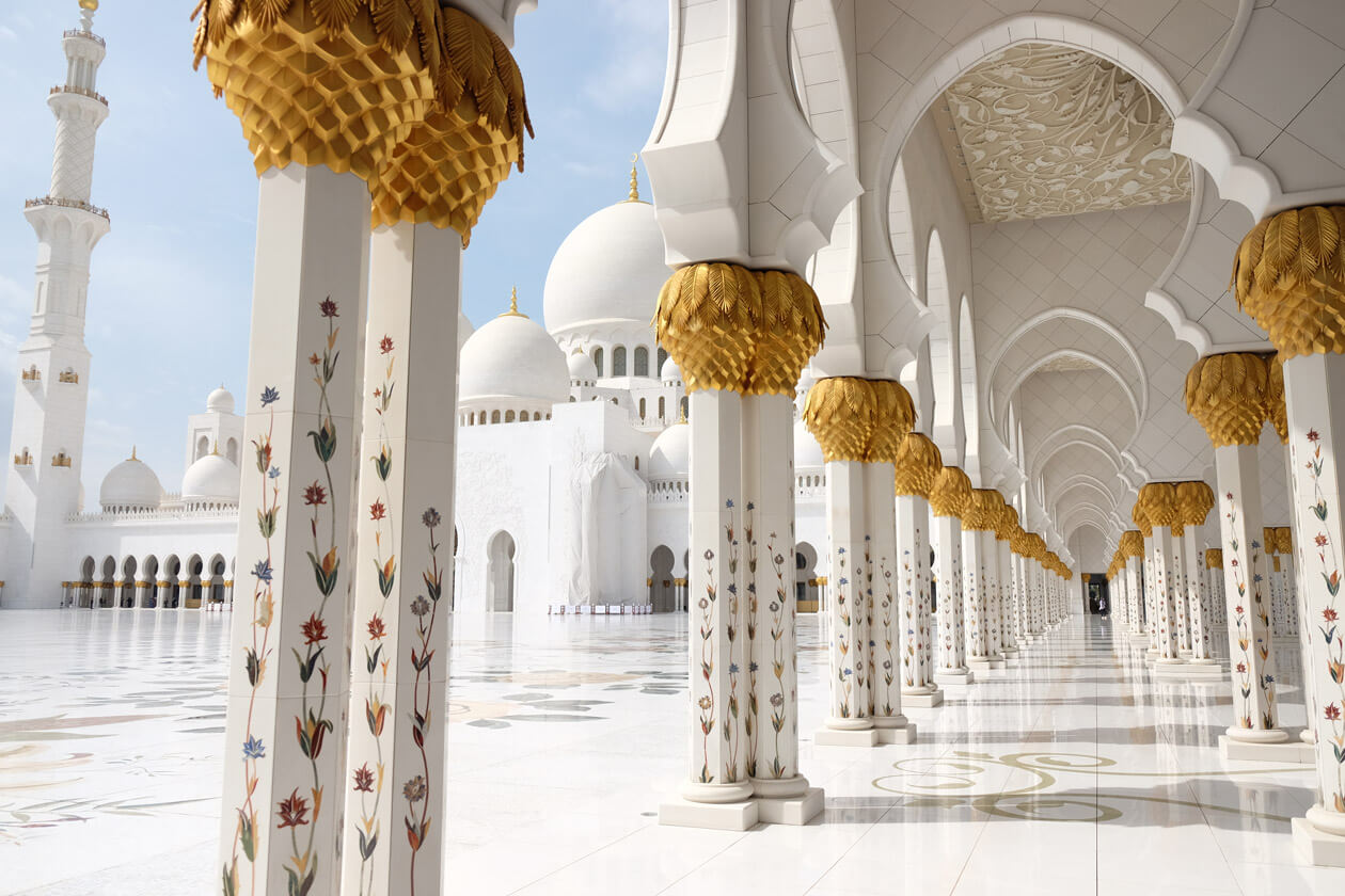 The marble columns and domes are stunning