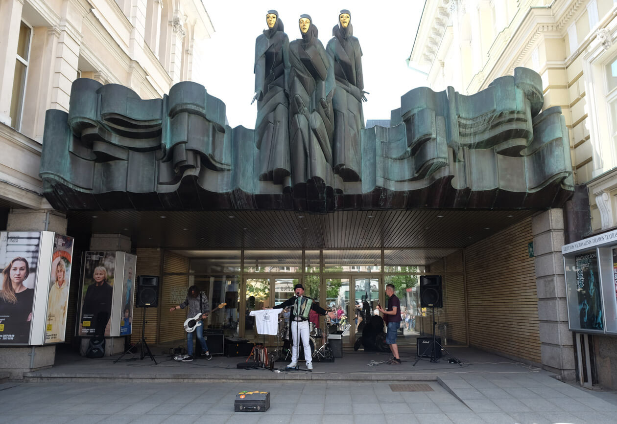 A band playing on Street Music Day in front of the Lithuanian National Drama Theatre