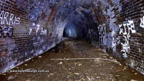 otford-tunnel-stanwell-park-end-bend-001