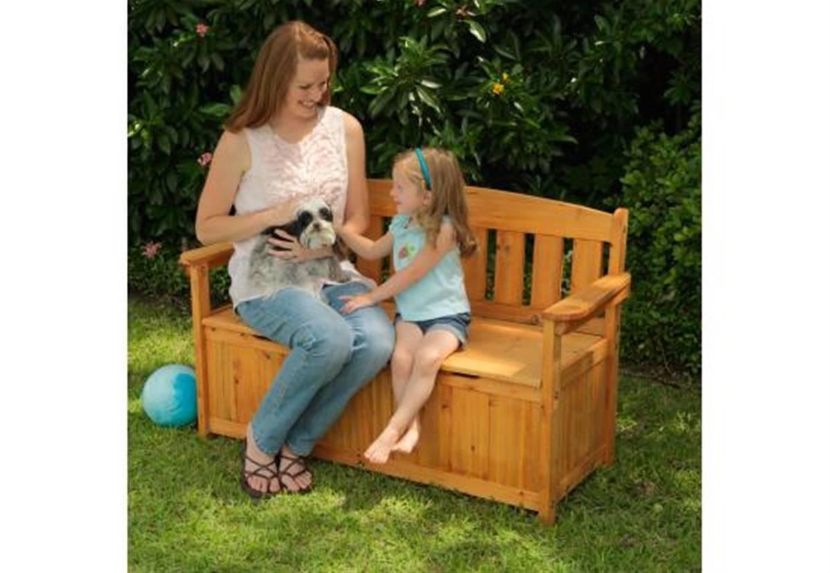 coffre banc de jardin en bois pour le rangement exterieur