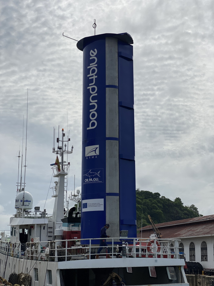 """bound4blue installs its eSAIL® system on the """"Balueiro Segundo"""", the first fishing vessel in the world to sail with wind-assisted propulsion technology 