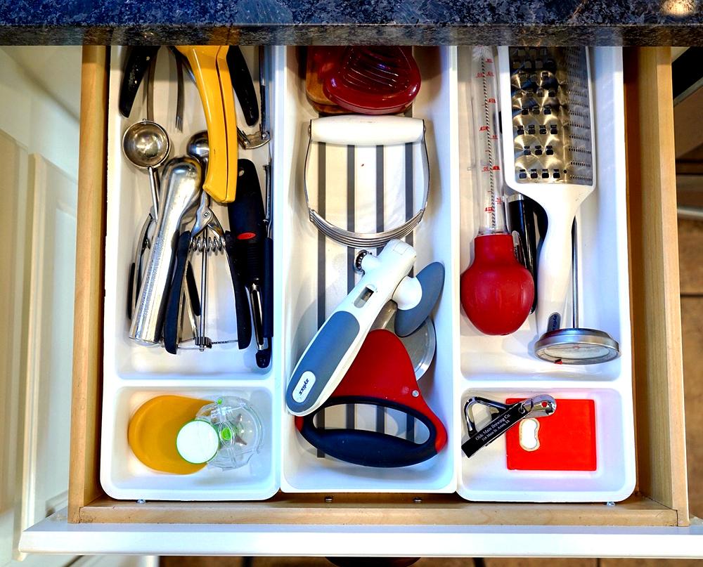 kitchen organization ideas - kitchen utensil drawer after