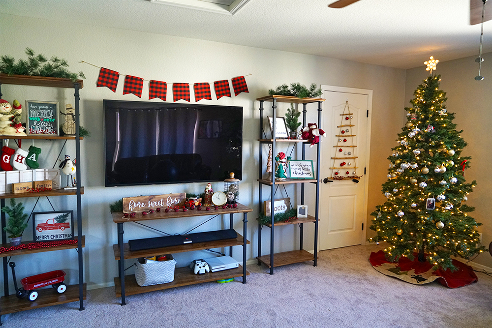 christmas decorating tips - decorating the entertainment center with tv