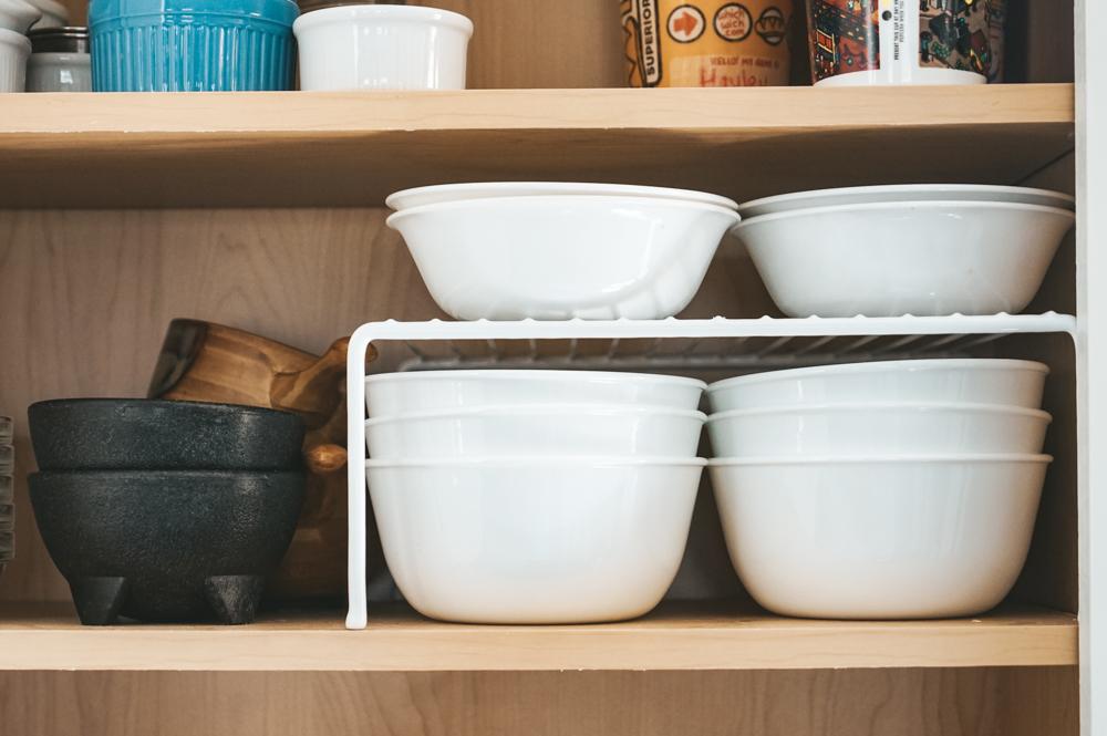 minimalist kitchen ideas - white dishware