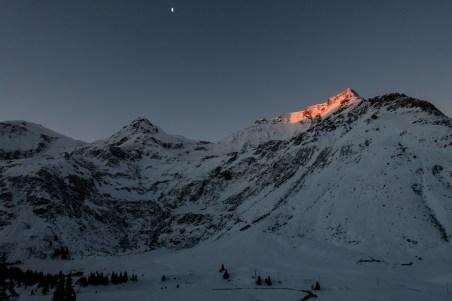 Sonnenaufgang bei unserer Skitour auf den Kreuzkogel