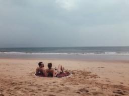 Pärchen am Strand in Goa