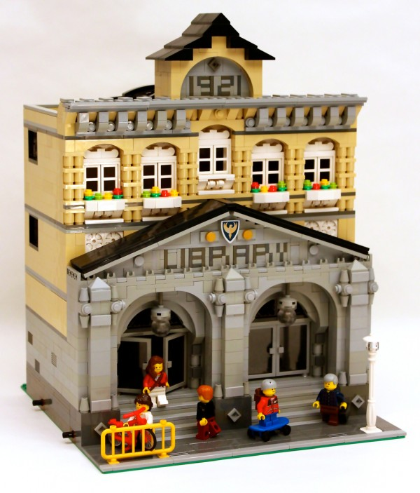 LEGO Ideas Modular Library 01