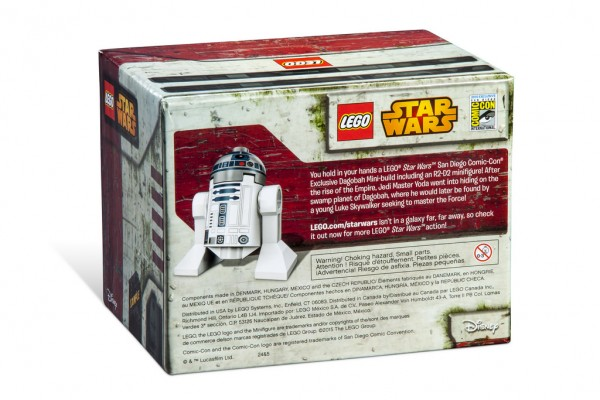 SDCC 2015 LEGO Star Wars Dagobah Mini-Build back