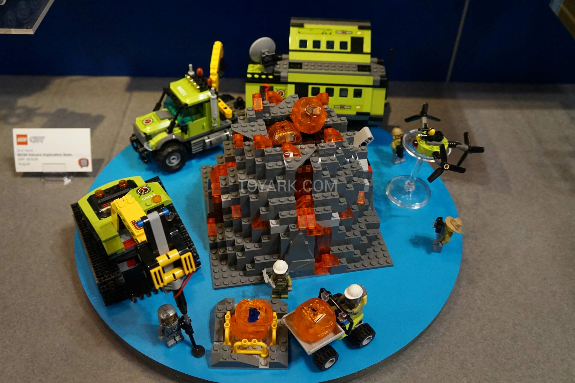 lego truck and helicopter with New York Toy Fair Nouveautes Lego City 2016 on B00SDTYXVM also Watch as well Watch as well Lego City 2018 Sets Des Ersten Halbjahres 36835 further Watch.