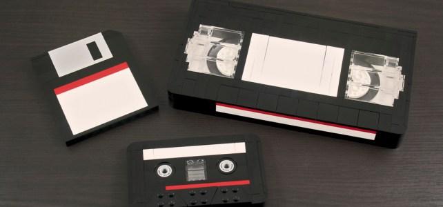 Disquette, cassette et VHS formats abandonnés