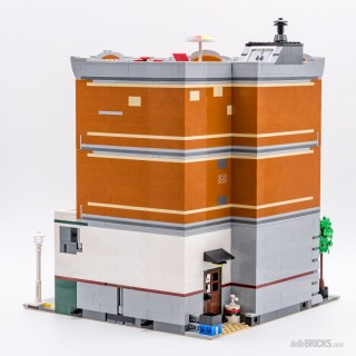 REVIEW LEGO 10264 Modular Corner Garage