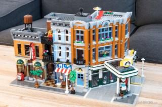 REVIEW LEGO 10264 Modular Corner Garage 10246