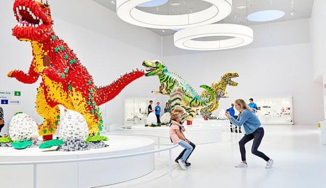 Masterpiece gallery LEGO House