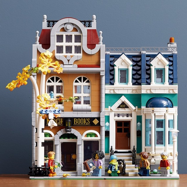 LEGO Creator Expert 10270 Bookshop modular
