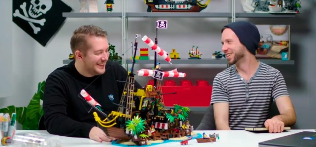 LEGO Ideas 21322 video designers