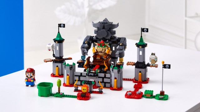 LEGO Super Mario Bowser Castle