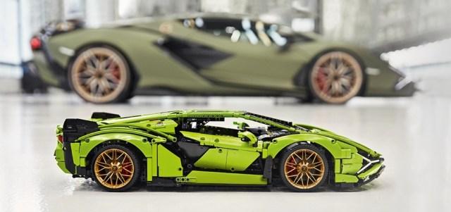 LEGO 42115 Lamborghini Sian comparaison