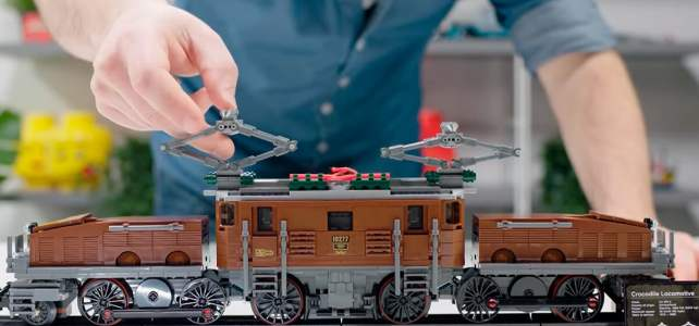 LEGO 10277 Crocodile Locomotive : la vidéo de présentation du designer