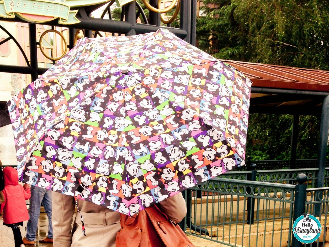 disneyland-paris-sous-la-pluie-3
