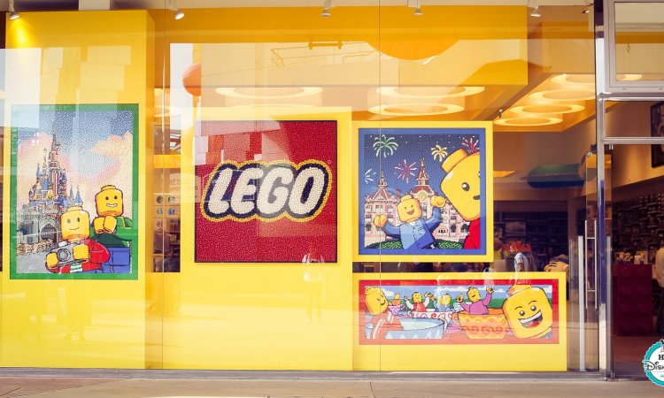 Boutique Lego Disney Village