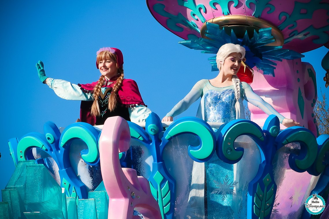 Disney stars on Parade Disneyland Paris 25th
