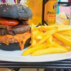 Burger Halloween - Annettes Diner Disneyland Paris-4
